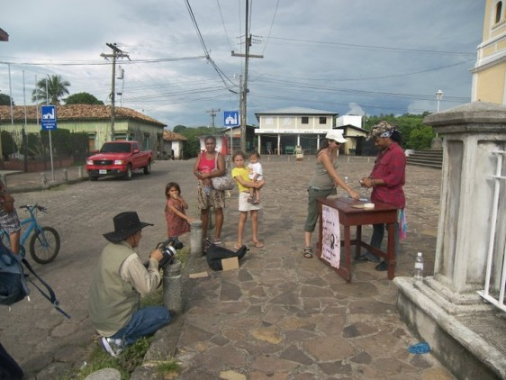 """Durón shooting his short film """"El sueño de Memo"""" (""""Memo's Dream"""") in Honduras, June 2011."""